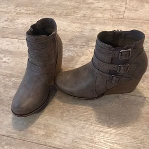 Maurice's women booties size 9